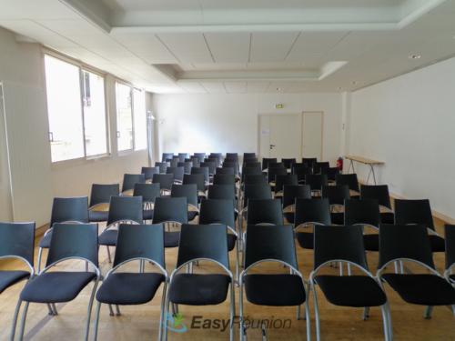 salle tout en longueur à la location pour vos événements professionnels