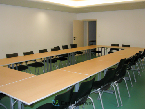 salle de réunion ou de formation - format carré